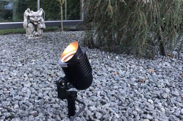 RGBW-LED-Gartenstrahler-im-Test