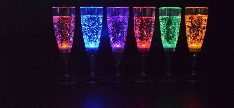 Gadgets LED Glaeser für Silvester Party 2019