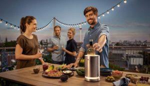 Gadgets für Silvester Party 2019 - WMF LED Flaschenkühler und LED Glaeser