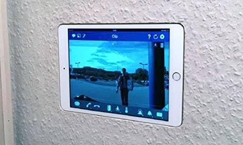 iPad Wandhalterung Unterputz flächenbündig verbaut (im Bild ist das iPad mini abgebildet)