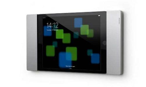 iPad Wandhalterungen mit Ladefunktion, abschliessbar & abnehmbar im XXL-Vergleich (auf dem Foto ist das Model von smart things sDock Fix zu sehen)